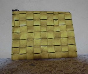 Pouch29a